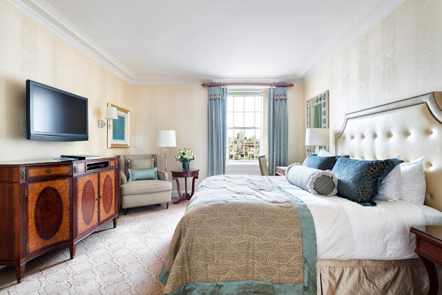 The Pierre, A Taj Hotel, New York offers private residential stays for guests looking for a distinguished Manhattan pied-à-terre with the added luxuries of an iconic Forbes Five-Star and AAA Five-Diamond New York City hotel.