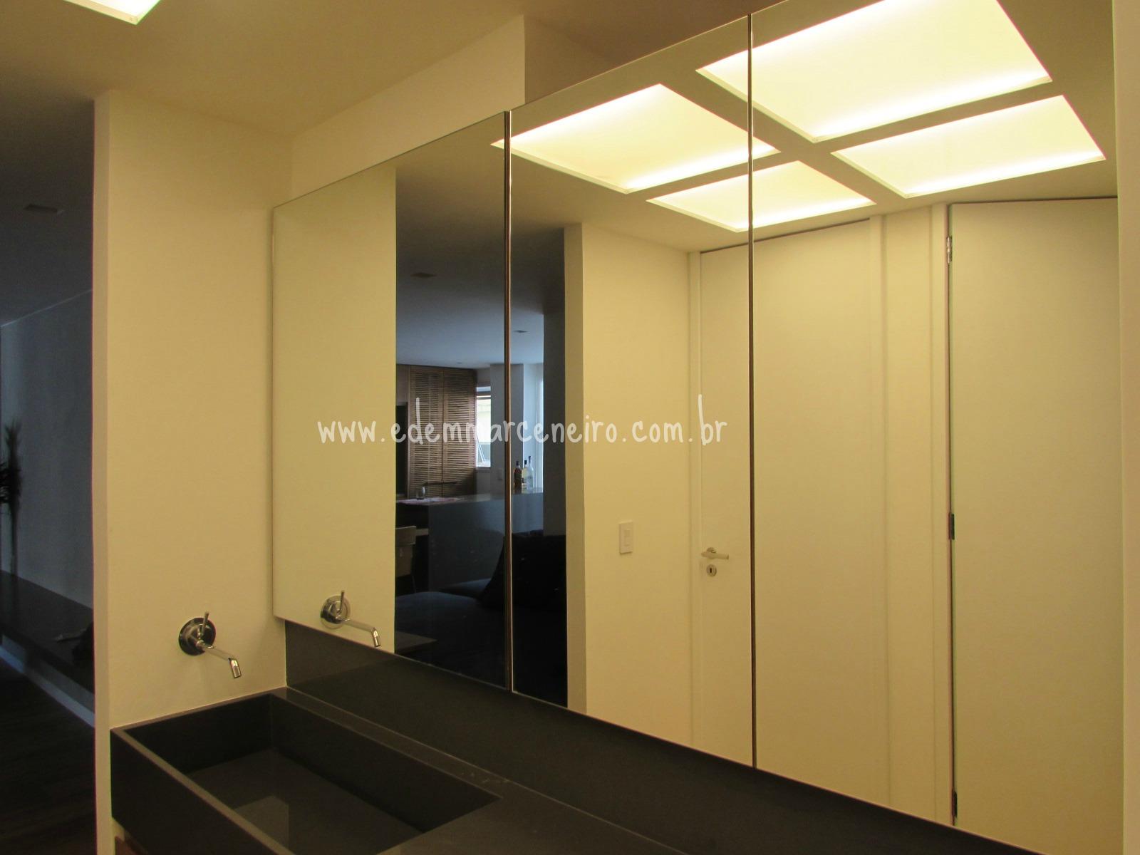 Armários para Lavabo e Painel Superior com Espelhos Edem Marceneiro #B09F1B 1600x1200 Armario Banheiro Usado