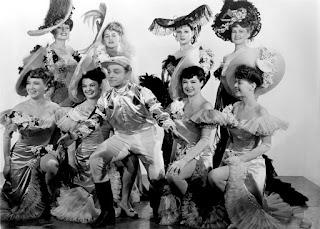 Cagney con las chicas del ballet - Yanqui Dandy (1942) Yankee Doodle Dandy
