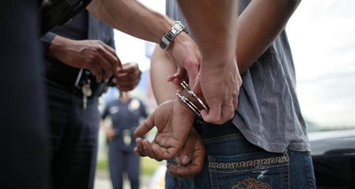 Apresan a dos expolicías y a dos civiles acusados de conformar banda de asaltantes