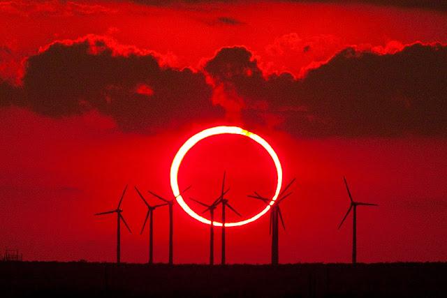 Hình ảnh Nhật thực hình khuyên ngày 20 tháng 5 năm 2012 ở Texas, Hoa Kỳ. Tác giả: Mike Myer.