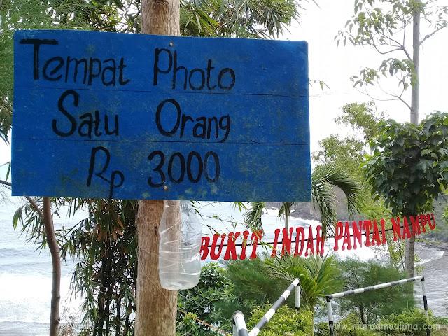 Tempat Swafoto Keren Bukit Indah Pantai Nampu