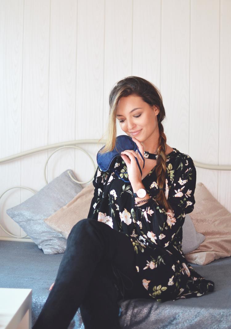 Jeden kobiecy gadżet, który pozwoli Ci spać lepiej i wyglądać lepiej rano - Czytaj więcej »