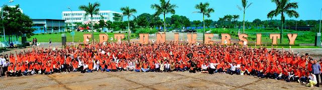 Sinh viên đại học FPT