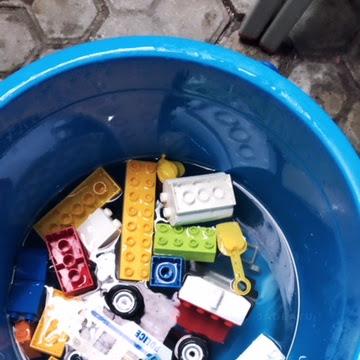 Mencuci Lego Bersama Arsel
