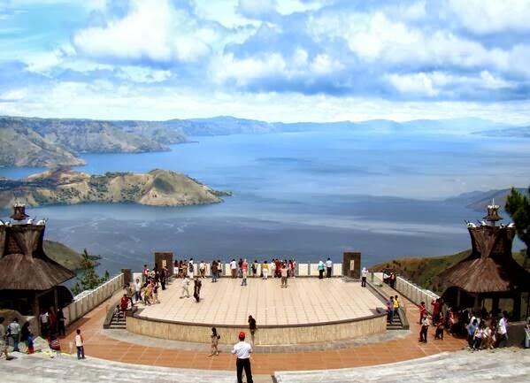 Pesona Wisata Danau Toba Yang Indah