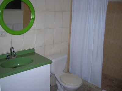 Baño Cocoon Hotel, San José, Costa Rica, vuelta al mundo, round the world, La vuelta al mundo de Asun y Ricardo, mundoporlibre.com