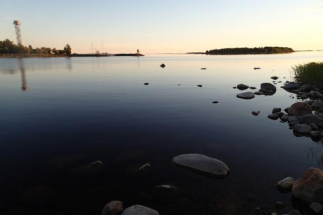 Auringonlasku Perämeren kansallispuistossa.