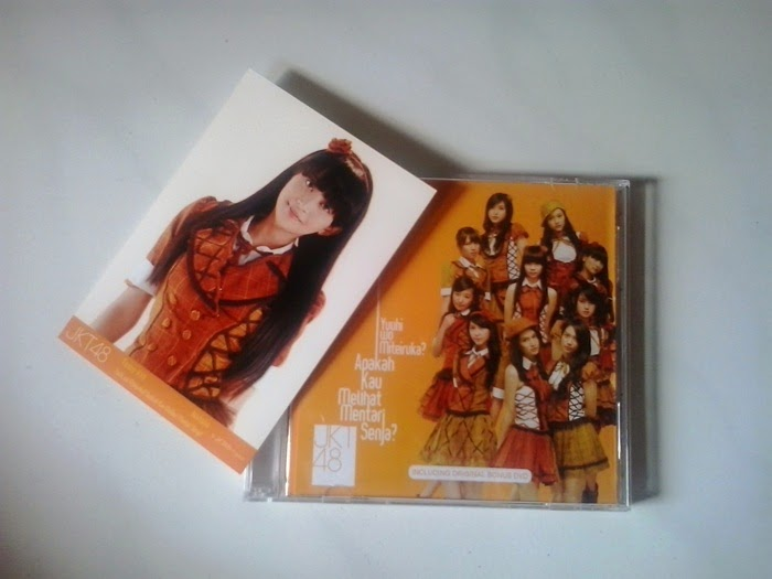 Single dan Bonus Photopack Yuuhi wo Miteiruka JKT48