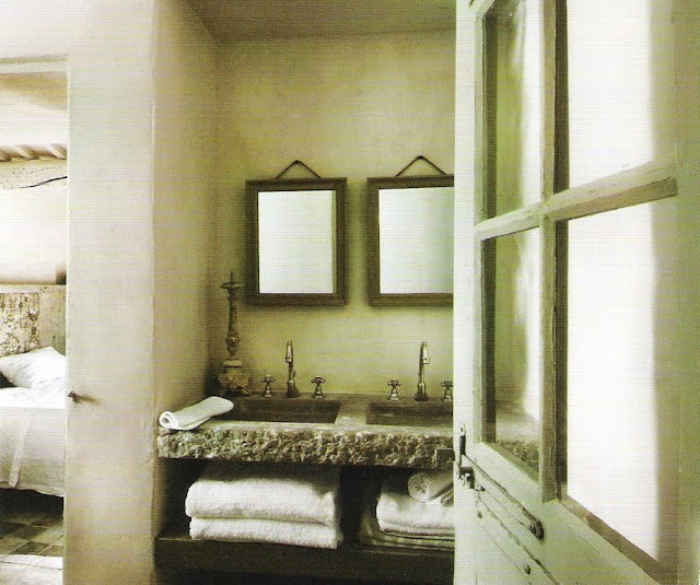 Vanity in the raw, image via Côté Sud, Juin-Juillet 2007, edited by lb for linenandlavender.net - http://www.linenandlavender.net/2010/02/design-daily_12.html