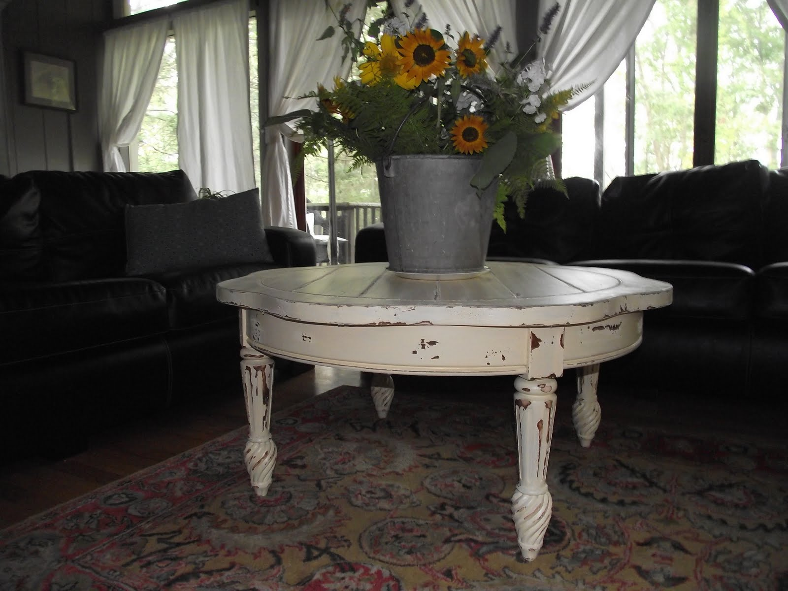 Serendipity Chic Design: French country coffee table