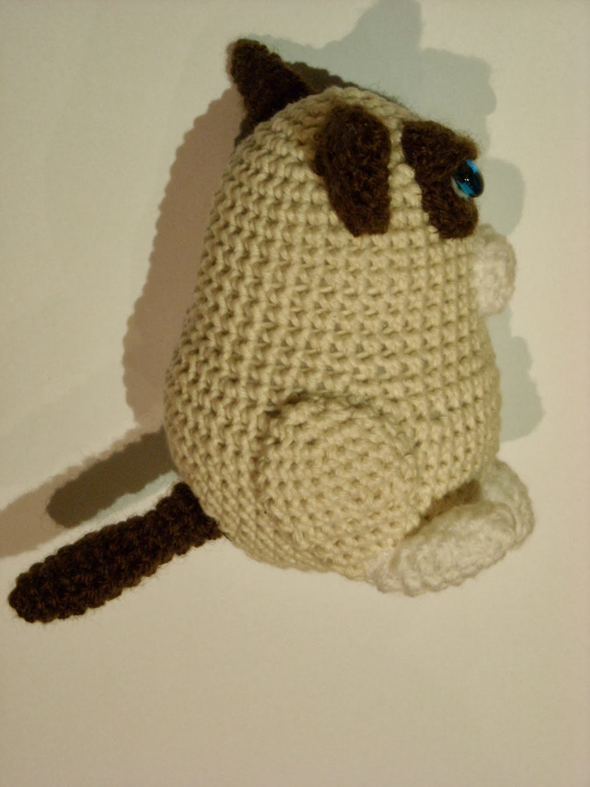Pokey Kitty Cat Crochet Pattern: Grumpy Cat's Brother Pokey Cat ... | 1600x1200
