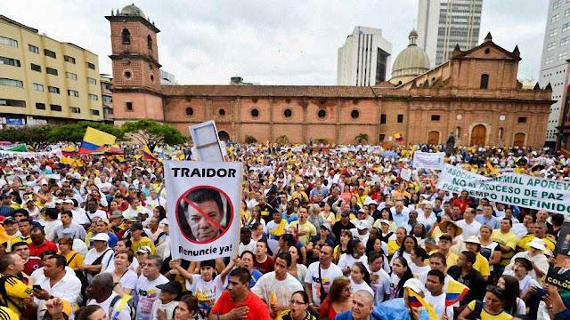 Em Cali, Santos foi vituperado pelo povo como 'traidor'.