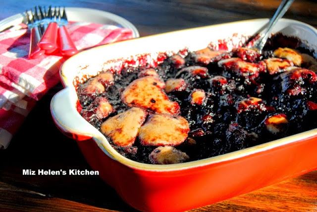 Blackberry Cobbler at Miz Helen's Country Cottage