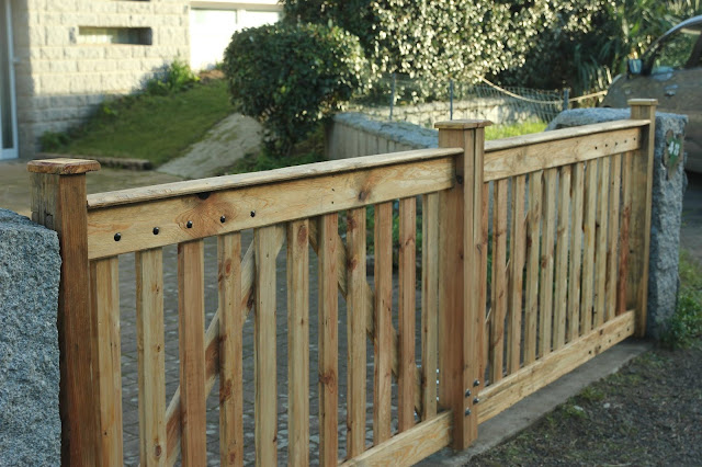 Finished project - Pallet Wood Driveway Gates