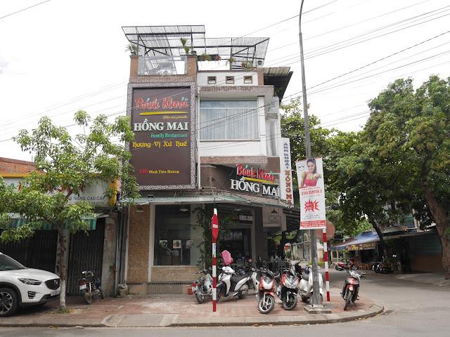 In front of Bánh Khoái Hồng Mai restaurants, Hue