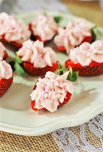 Strawberry Cheesecake Strawberry Bites Photo