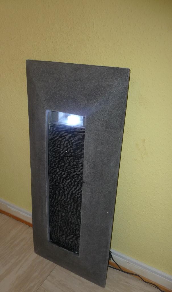 Mein testblog nicki testet den blumfeldt niagara wandbrunnen wasserwand wasserfall f r drinnen - Wasserwand wohnzimmer ...