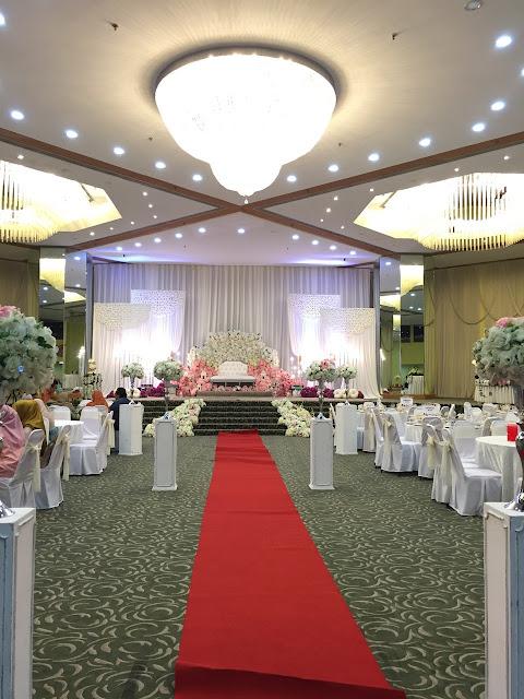 luxurious wedding hall