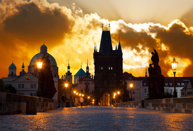5 hotéis legais perto da Ponte Carlos em Praga | República Checa