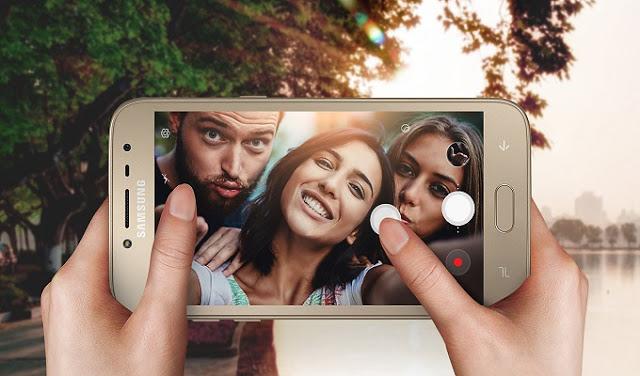 سامسونج تكشف عن أول هاتف لها لسنة 2018,سامسونج تكشف عن أول هاتف لها لسنة 2018  بمواصفات جيدة وسعر رخيص,هواتف سامسونج,اسعار الهواتف