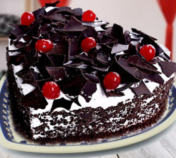 MADE BLACK FOREST CAKE
