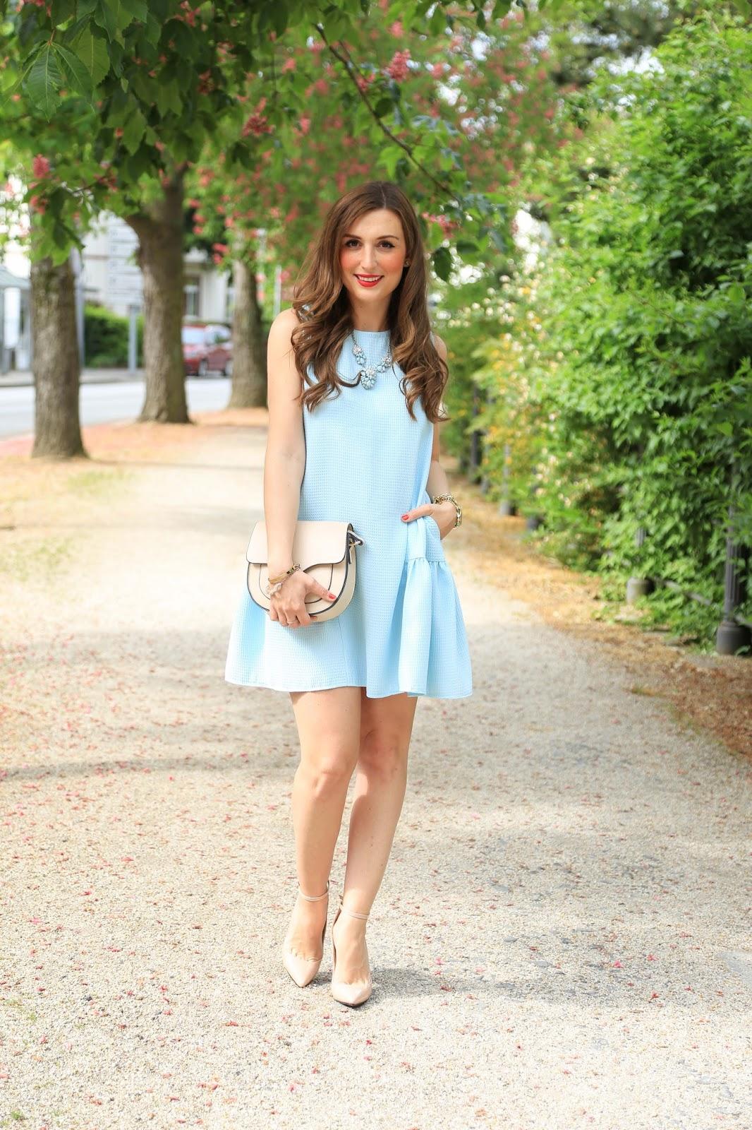 Frankfurt Fashionblogger - Outfits der Blogger - Blogger looks für den Sommer - Hellblaues KLeid Zouze Fashion - Fashionstylebyjohanna im Kleid