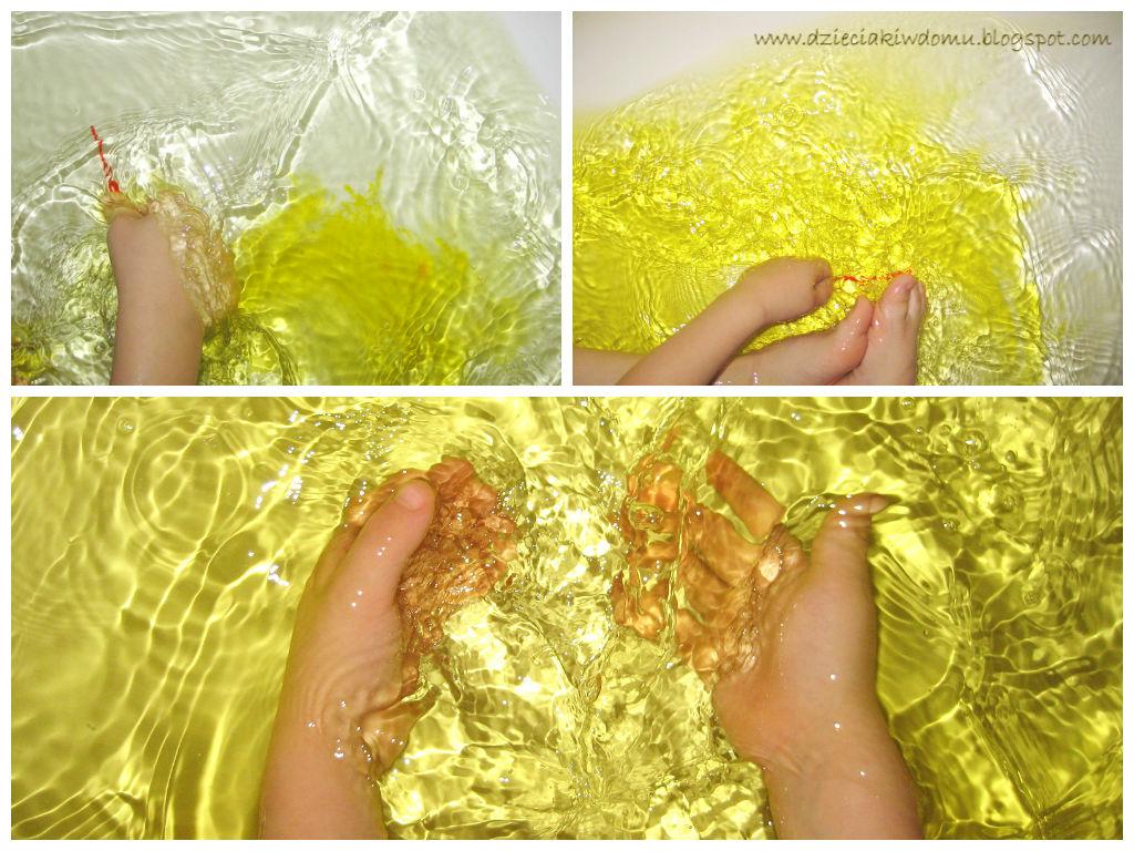Kolorowa kąpiel - barwienie wody dla dzieci podczas kąpieli, kreatywne zabawy w wannie