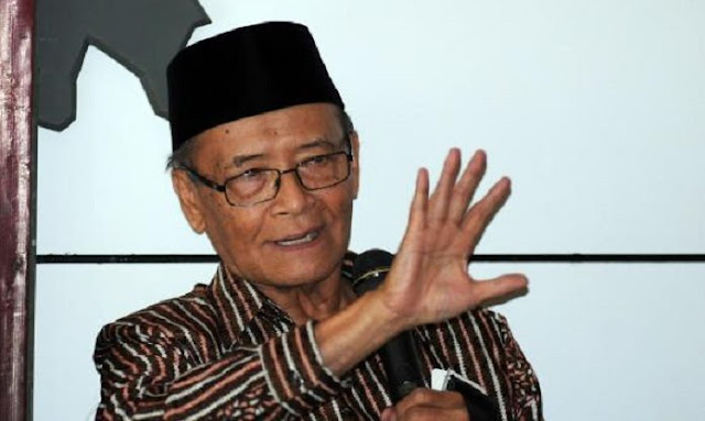 Buya Syafii: Jokowi Tak Peduli Popularitasnya Turun asalkan Masalah Negara Beres