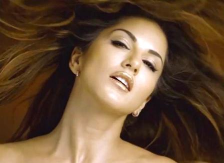 Hug Me Lyrics - Beiimaan Love | Sunny Leone