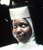 Whoopi Goldberg - Irmã Mary Clarence