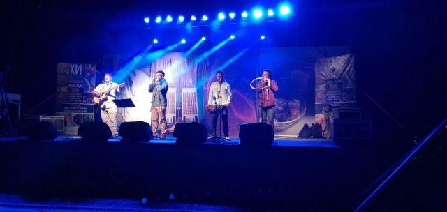 Grupo de música Mapuche Meli Kvrvf