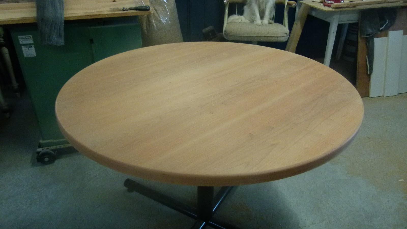 B nisterie julie restauration d 39 une table en cerisier - Restauration d une table en bois ...
