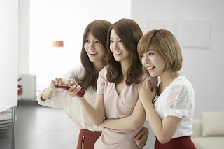 Sunny and Yoona with jessica