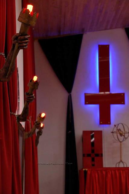 Kontroversi Kuil Penyembah Setan Viral Di Sosial media
