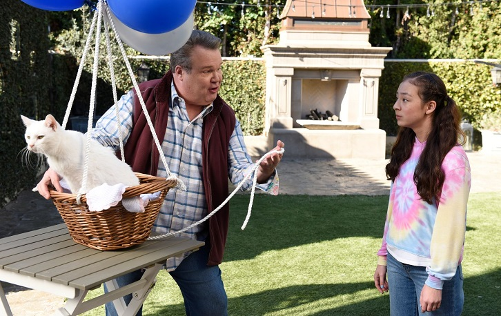 Modern Family - Episode 11.16 - I'm Going to Miss This - Promo, Promotional Photos + Press Release