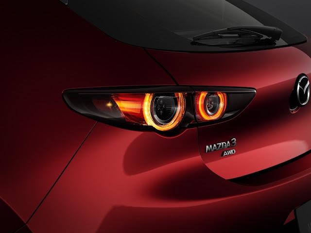マツダ 新型アクセラ(Mazda3)のテールランプのデザイン。