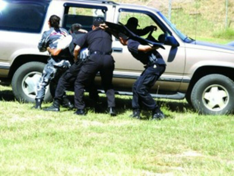 """Comando armado """"levanta"""" a cuatro personas en Chihuahua"""