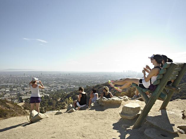 Movimentação de turistas e hospedagens em Los Angeles no mês de junho