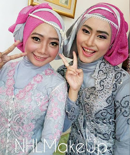 Hijab Dua Warna Wisuda
