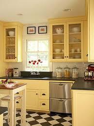 Diseño de cocina amarilla