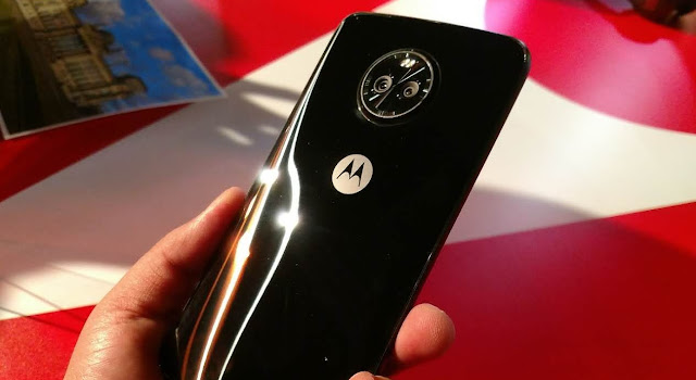 Poll: Are You Going to Buy the Moto X4?