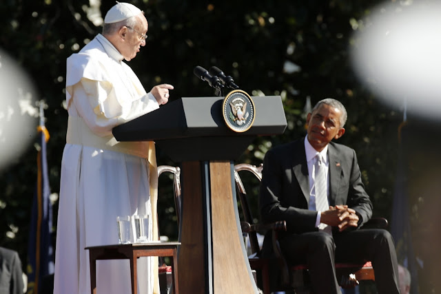 BREAKING NEWS : Barack Obama Says He's Accomplished His CampaignPromises as President, Praying With Pope Francis Was 'Stand-Out' Moment