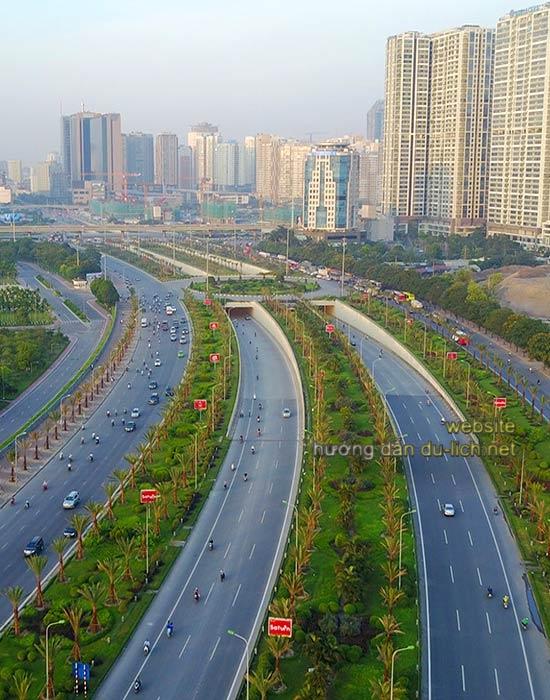Hình ảnh đại lộ Thăng Long ở đoạn từ Hà Nội xuất phát