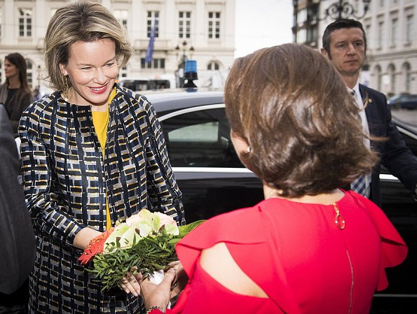 Queen Mathilde wore Natan Coat and Tikli Jewelry gold earrings, new campaign 'Schat Je Schatje of Child Focus