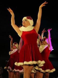 Coreografia das Noelas Vermelhas, Simplesmente Natal, Canela