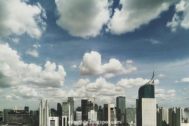 foto gedung pencakar langit jakarta