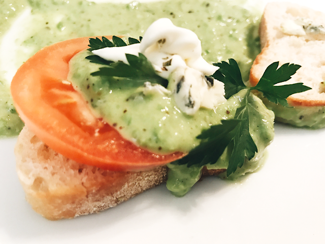 FASHION TALES BLOG-SPICED PEA HUMMUS
