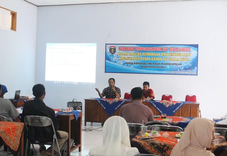 Dinas Koperasi UMKM dan Perindustrian Kabupaten Ngawi Gelar Workshop usaha IHT kecil