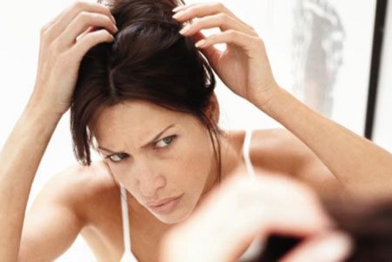 Faktor Penyebab Uban Ganggu Kesehatan Rambut Anda